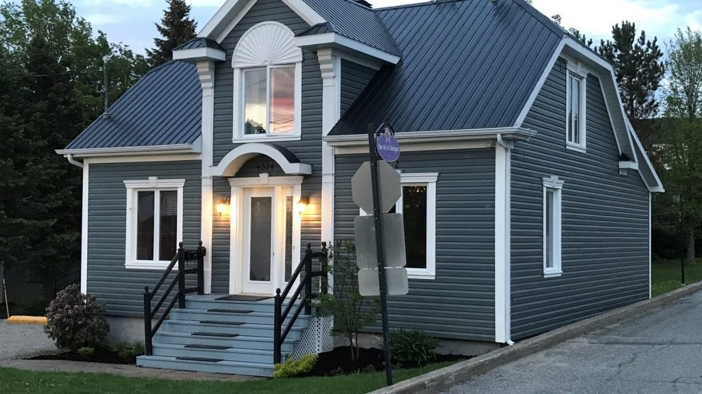 Cottages for rent with 5 bedrooms in Quebec #10
